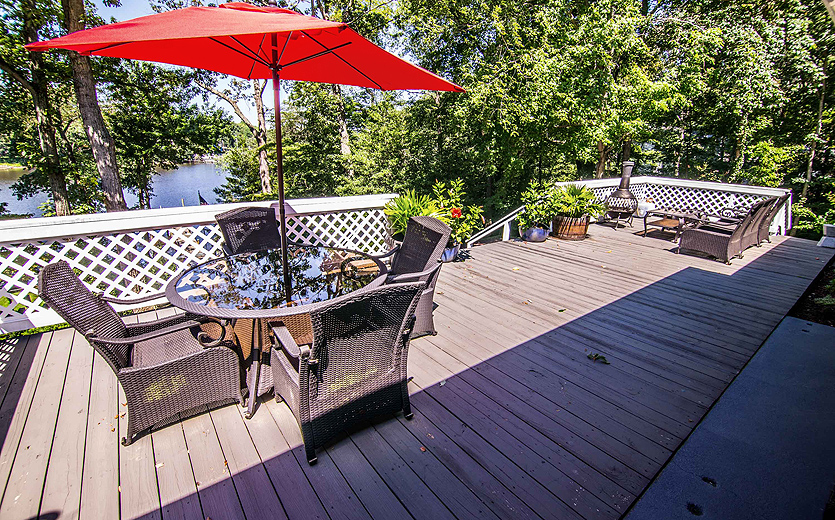 Magothy-River-waterfront-deck-2