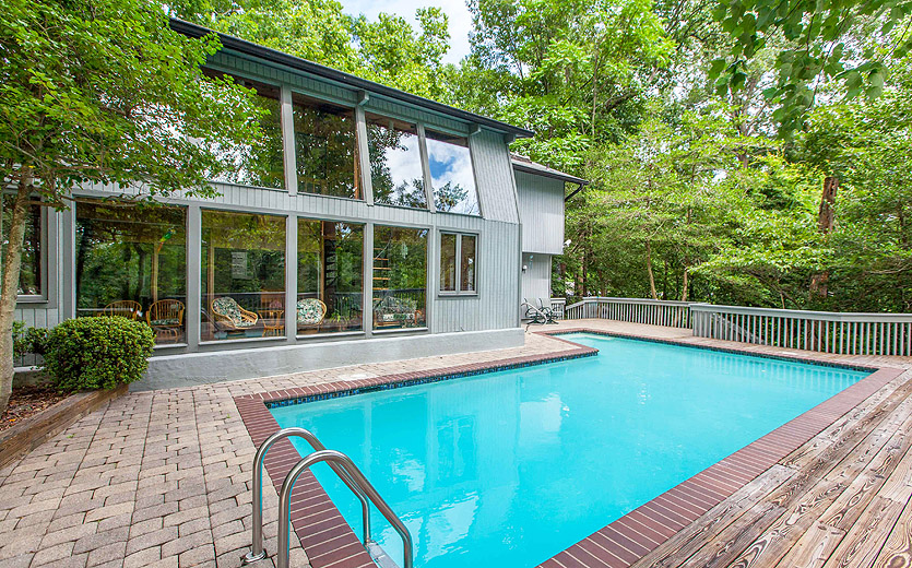Annapolis waterfront home overlooking  Broad Creek with access to the South River.