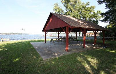 WIld-Rose-Shores-picnic